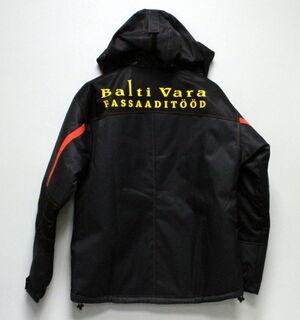Balti Vara takki painatuksella